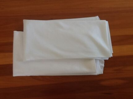 Plain White Large Round Tablecloths x 2 Taren Point Sutherland Area Preview