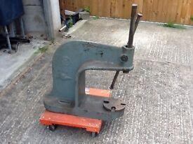Bearing manual press