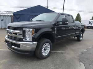 Ford Super Duty F-350 SRW XLT cabine 6 places 4RM caisse de 8 pi