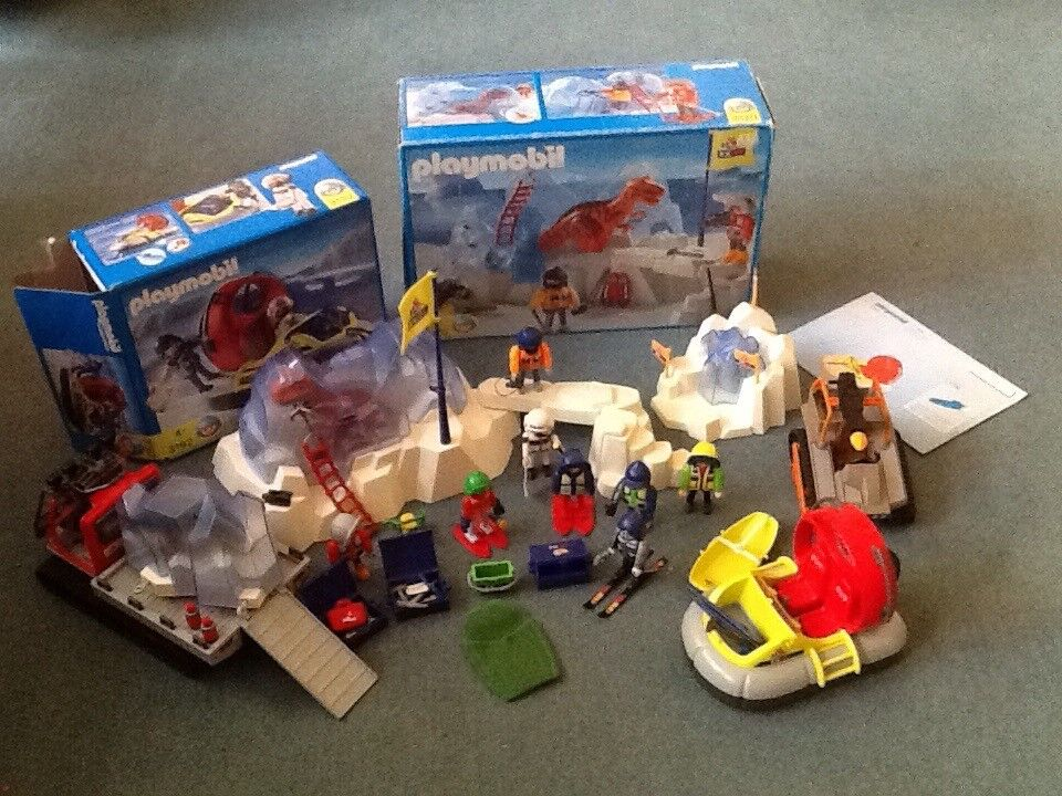 Playmobil artic expedition, sets 3192, 3170 plus extras.