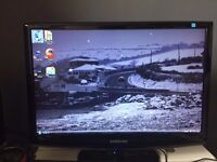 """Acer Aspire X3200 desktop with blue ray DVD player, 22"""" Samsung widescreen monitor and speakers"""