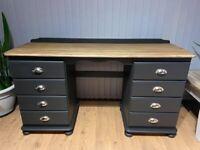 Desk / dressing table like new!