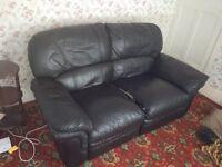 Black leather sofa: 175x85x95.