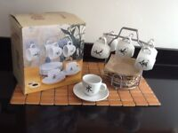 6 x BRAND NEW ESPRESSO CUPS & SAUCERS WITH STAND