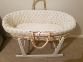 Wicker Moses basket with rocking frame