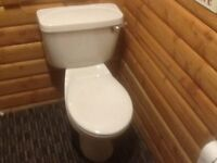 WHITE CLOSE COUPLET TOILET AND CISTERN IN GOOD CONDITION