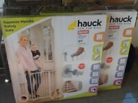 2 x Hauck squeeze handle pressure fix safety gates brand new in boxes