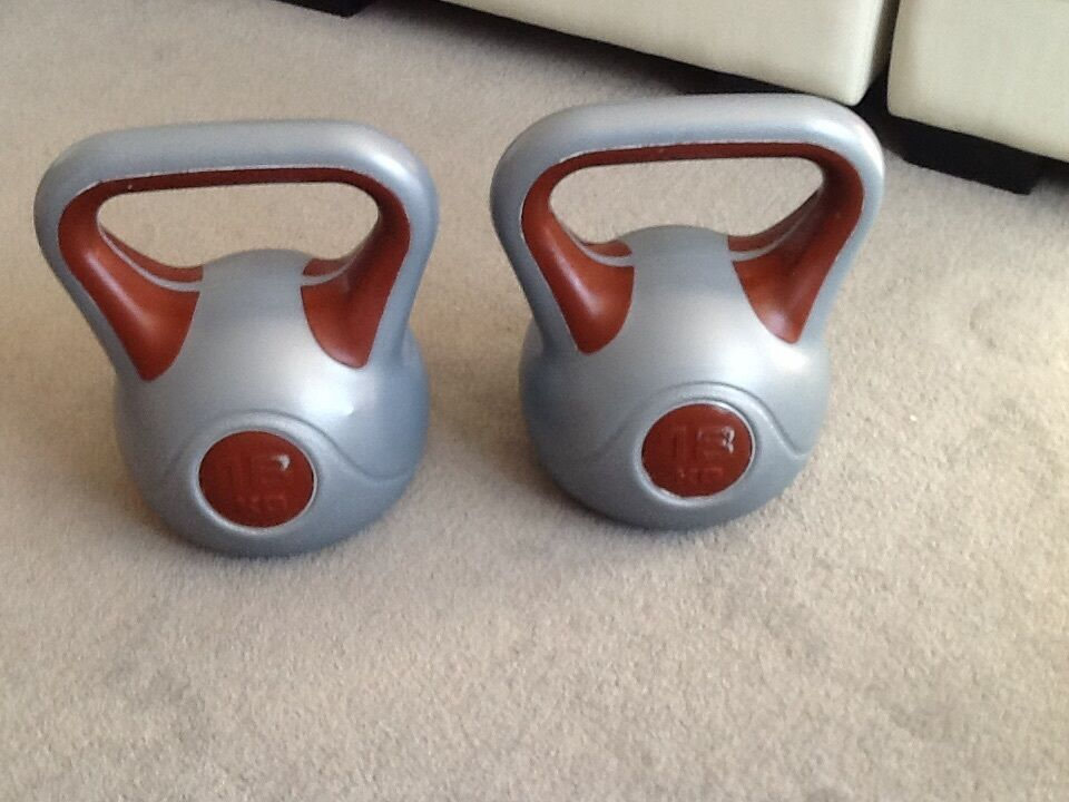 york kettlebells. set of 18kg york kettlebells m