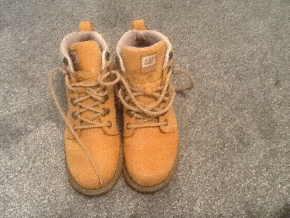 Ladies Caterpillar Boots size 5 vgc