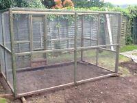 Pet/bird enclosure