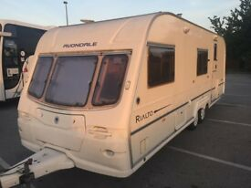 Avondale rialto twin axle 02 year 6 berth fixed bunk beds end batroom, no damp,very clean caravan,