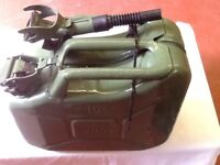 Military style jerrycan10 litres. With detatchable spout good condition colour green