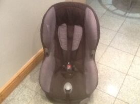 Maxi Cosi Priori group 1 car seat for 9mtjs to 4yrs(9kg to 4yrs)reclines,is washed and cleaned-£35