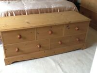 Pine 5 drawer end of bed chest kingsize