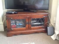 Tv table wooden in excellent condition west Ealing