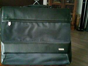 Laptop Bag - Padded with pockets Valentine Lake Macquarie Area Preview