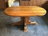 Solid oak dining table, 5ftx3ft, seats 6