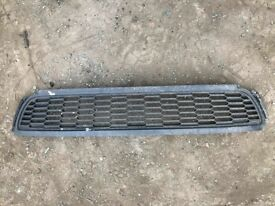 GENUINE VW 6R POLO 2007 - 2013 FRONT BUMPER LOWER CENTRE RADIATOR GRILL