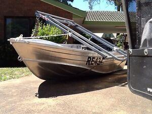 Makocraft hi-sided tinny (12ft) with aluminium foldup trailer Berwick Casey Area Preview
