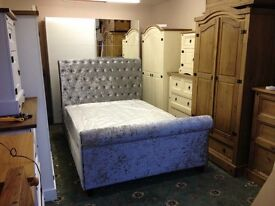 New 4ft6 double silver velvet bed free deliverg