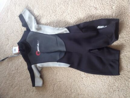 Wet suit