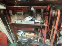 OLD SHOW BUFFING MACHINE CAN BE USED FOR OTHER THINGS LOTS OF CLEANING WHEELS POLISHERS ON IT ETC