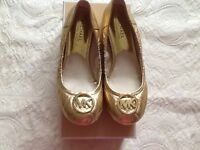 Genuine Michael Kors quilted gold Fulton pumps Size UK 4.5 -£60