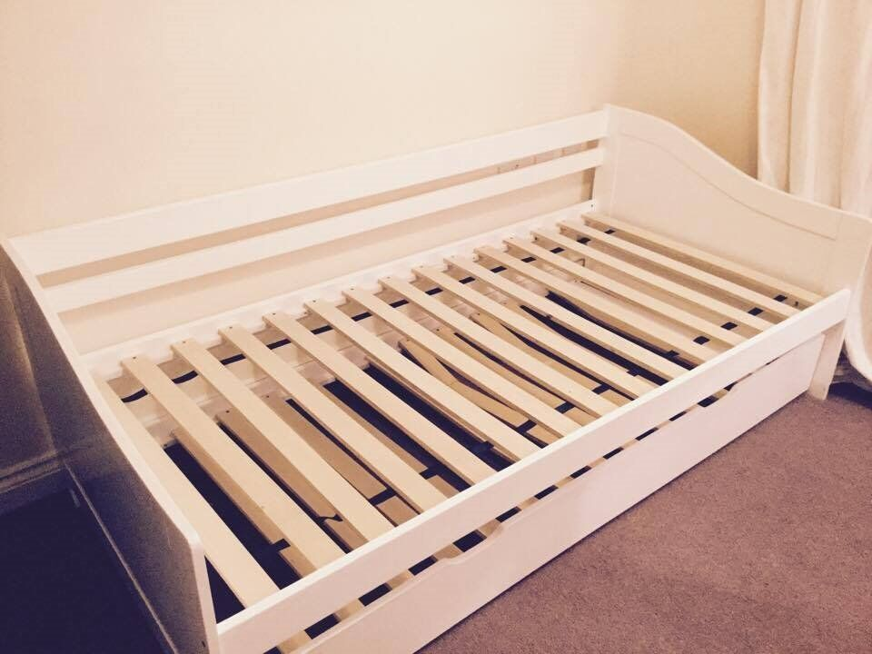 Trundle Single Wooden Bed Stylish White In Coalville