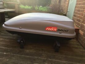 MONT BLANC RBX 3200 ROOF BOX WITH ROOF BARS