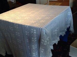 Tres-beau-dessus-de-lit-ancien-fait-main-en-coton-bien-blanc-belles-finitions