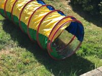 indoor/outdoor pop up tent & tunnel