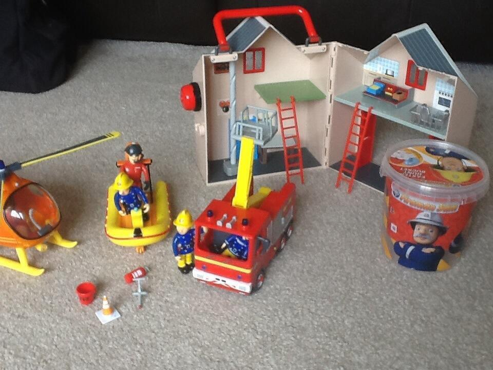 Sam Toys Station Fireman Sam Toys And 4 Dvds