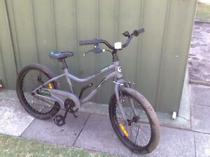 Kids Giant 20inch bike Noble Park Greater Dandenong Preview