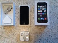 Apple iphone 5s Black 16GB Space Grey excellent mint condition on Vodafone networks