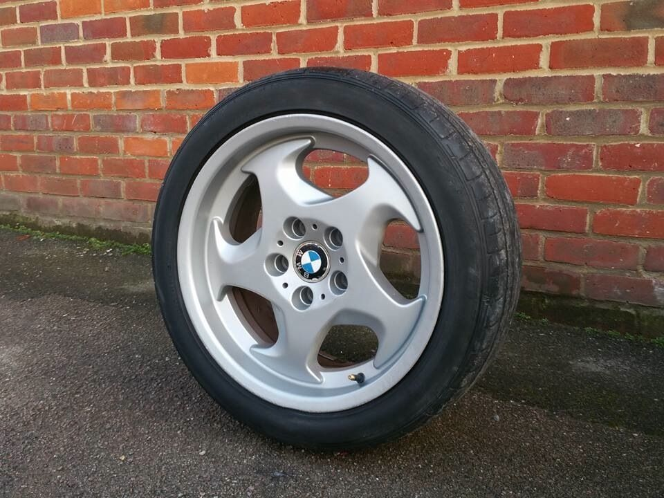 17 Inch Bmw Throwing Stars Alloy Wheels Amp Tyres Will Fit