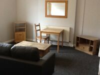 EDGBASTON B16 0EN ATTRACTIVE SPACIOUS SELF CONTAINED STUDIO FLAT / NO AGENT FEE /