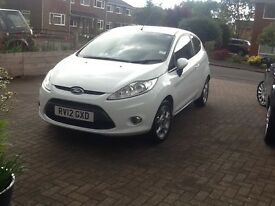 White Ford Fiesta Hatchback. 1.25l . 2012.
