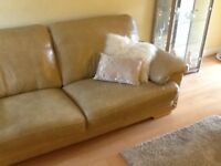 3 seater sofa in soft leather, excellent quality