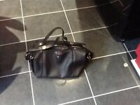 Fiorelli hand/shoulder bag,black,excellent condition,cost£60 new,bargain£5,pos local delivery
