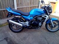 KAWASAKI ER5 2002 PLATE BEEN STOOD IN GARAGE FOR A WHILE HENCE SPARES/REPAIRS IT DOES START AND RIDE