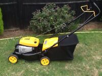 Mculloch - Briggs and Stratton 450 Series Petrol Lawnmower - REFURBISHED AS NEW