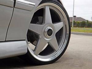 4X STAR WHEELS TYRES 20 INCH 5X120 SILVER MOMO STYLE FIT HOLDEN Brookvale Manly Area Preview