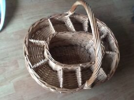 Pre-Owned Wicker Champagne basket