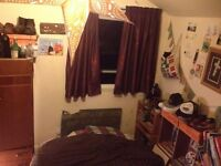 Small double room 10 minutes from train station 325 PCM