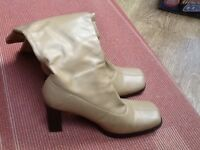 A PETITE SIZE 3 PAIR CARAMEL COLOUR PULL-ON BOOTS WITH SQUARE HEEL.