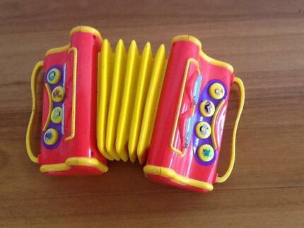 Wiggles Spin Master Musical Accordion 2004 Taren Point Sutherland Area Preview
