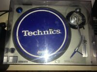Technics 1200 Mk 2 Turntable for Sale.