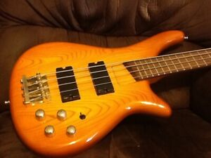 Rare Bass Collection 1995 SB330 bass guitar in deluxe case Tamworth Tamworth City Preview