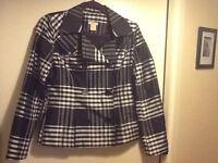 JOE. Ladies coat. Size M.