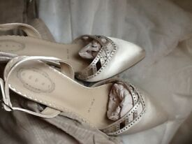 Silk sling back cream size 5 shoes.